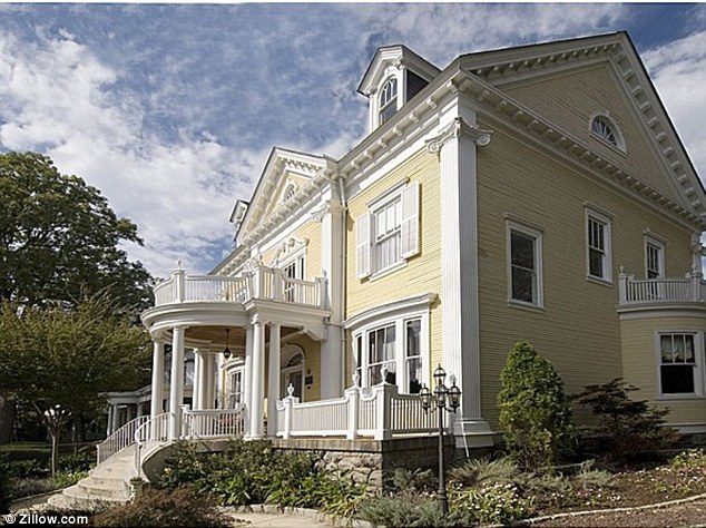 1841 Park Road in Washington D.C.'s affluent Mount Pleasant suburb is where Paula Broadwell and her husband Scott are now staying