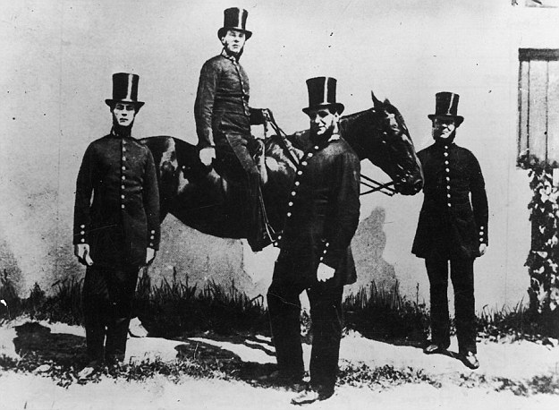 Police horses were first used in London in 1760, when Sir John Fielding, the Bow Street magistrate, developed a plan to introduce mounted units in order to deal with highwaymen