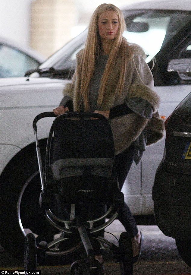 A new dawn: Chantelle maintained her straight hair look for her shopping trip with her daughter