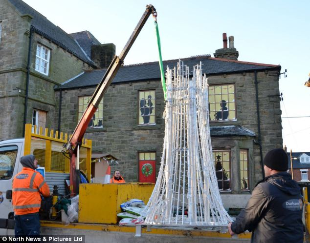 The assembling and dismantling of the 8ft metal tree cost £2,000