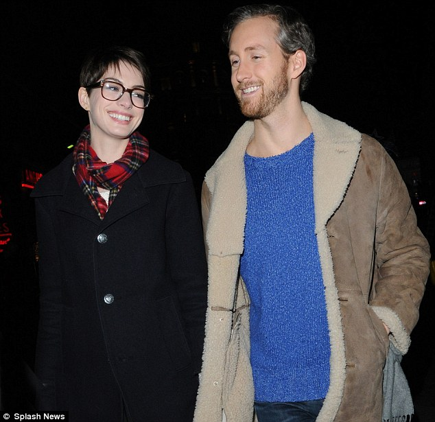 How Anne Hathaway Threw A Fit When She Discovered That: Anne Hathaway Sports Fetching Glasses As She Joins Co-star