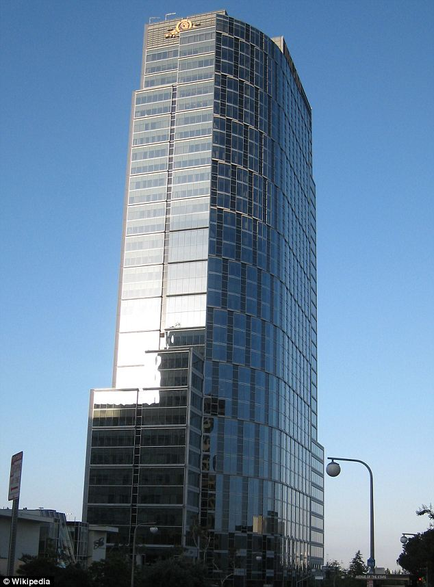 ILFC is headquartered in the top two floors of Constellation Place (formerly MGM Tower) in Century City, Los Angeles