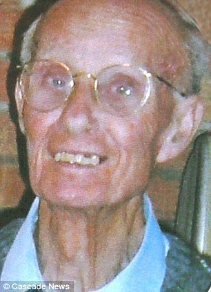 Frail: Agency nurse Kirsten May gave Norman Betchley (pictured) the tablet even though an A5 sign above his head stated 'nil by mouth', Chelmsford Coroners Court heard