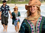 Blooming Jessica Simpson¿s romantic Hawaiian getaway as she puts Weight Watchers diet on hold