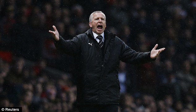 The worst: Ferguson claimed his Newcastle United counterpart Alan Pardew is the worst for haranguing officials