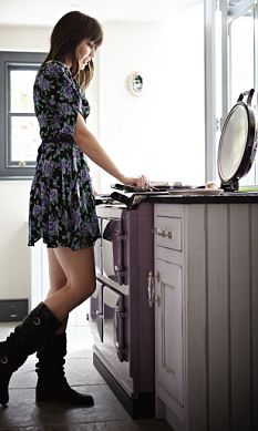 Daisy Lowe in Aga advert: Sales not so hot