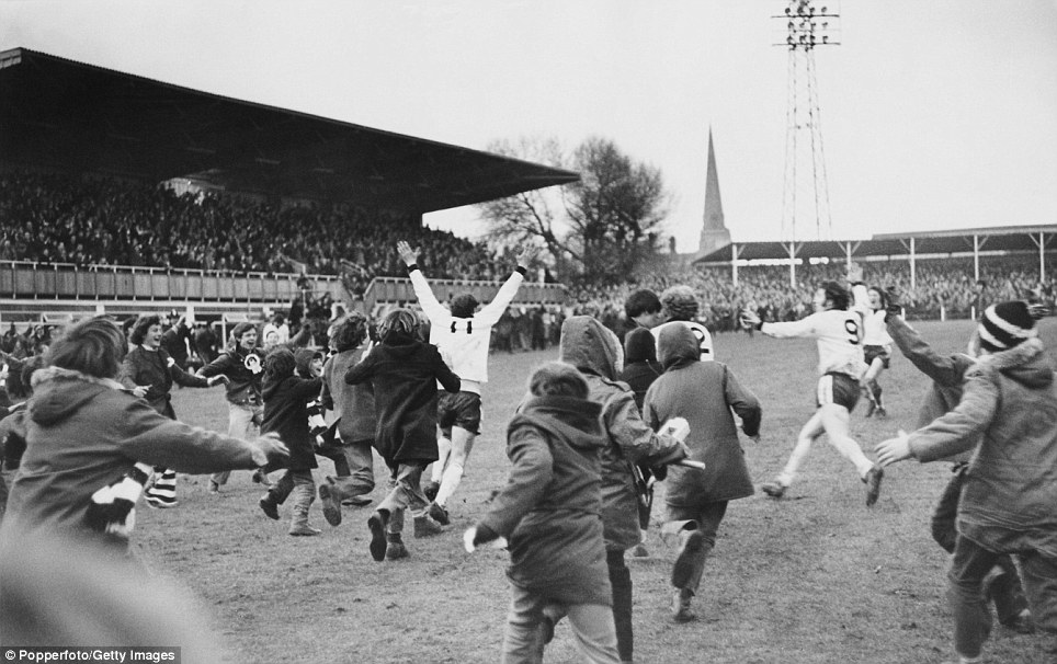 I'm convinced there will be some of you that can't see this picture without saying these words: 'What a goal, what a goal, Radford the scorer... Ronnie Radford'