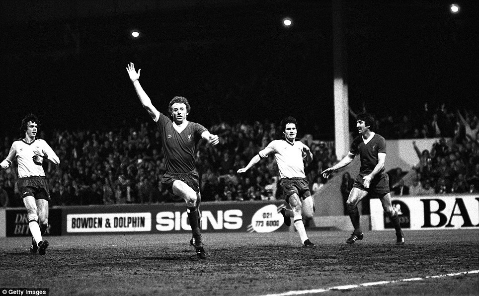 There are certain players from the past that all football fans seem to have heard of, and I think football's original 'super sub' David Fairclough falls into that category - here he is celebrating a goal for Liverpool in the replay
