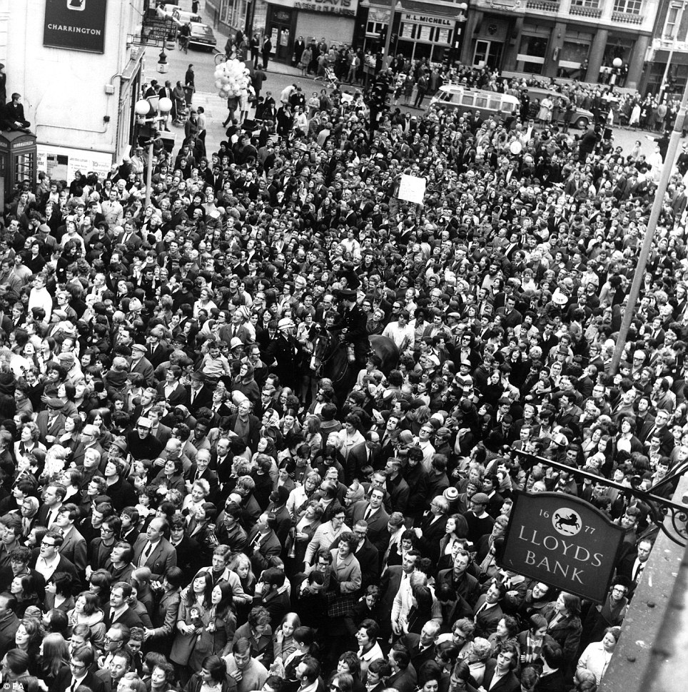 This picture of Chelsea fans gathering in London to welcome the players shows that in football some things never change