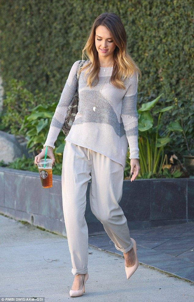 Light and airy: Jessica, who stopped at Starbucks for a cool beverage, paired her winning outfit with neutral toned heels