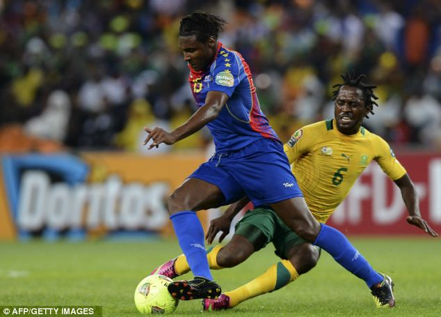 Advancing: Cape Verde midfielder Marco Soares (left) glides past Lerato Chabangu