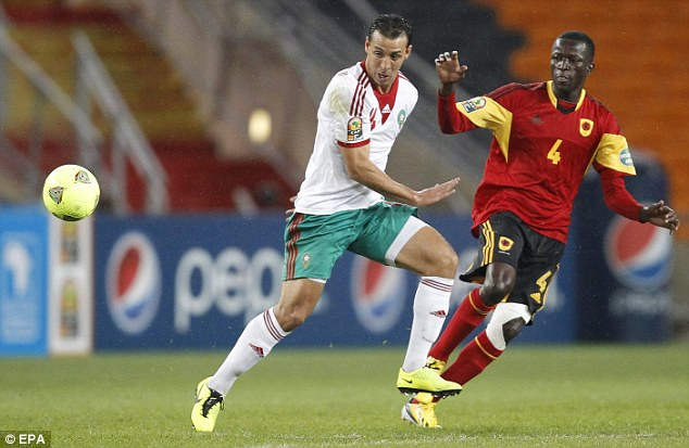 Contest: Afonso of Angola and Moroccan Kantari compete for the ball