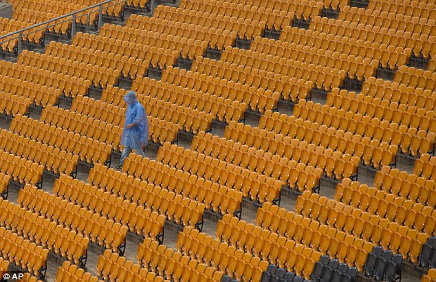 Empty: One wet fan was clearly underwhelmed by what he saw