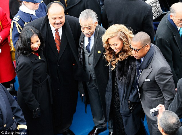 Politicis meets Hollywood: Martin Luther King III, Rev. Al Sharpton, Beyonce and Jay-Z pose for a photo
