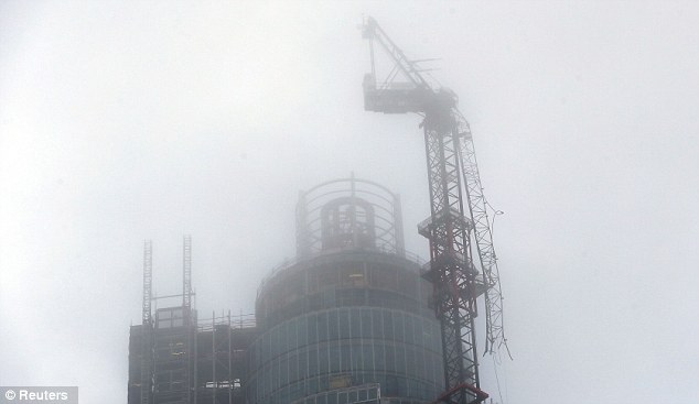 The damaged crane on St George's Tower in Vauxhall, shortly after the crash