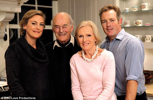 Mary Berry Reveals How She Coped With Her Son S Tragic