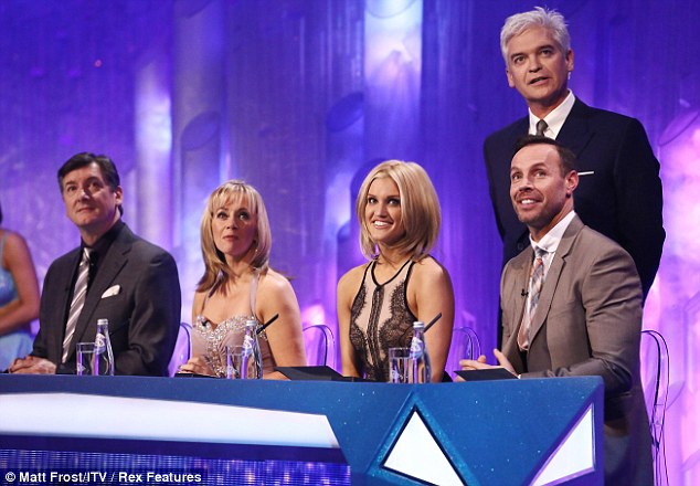On the panel: She debuted the long bob on Sunday night after getting it cut in the week