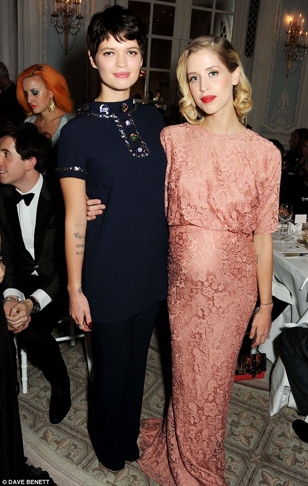 The Fabulous Geldof girls! Pixie and Peaches cuddle up at the Elle Style Awards in retro fashion