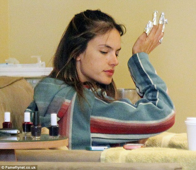 Singer Monica Nail Salon: Alessandra Ambrosio Takes A Day Off The Glamour As She
