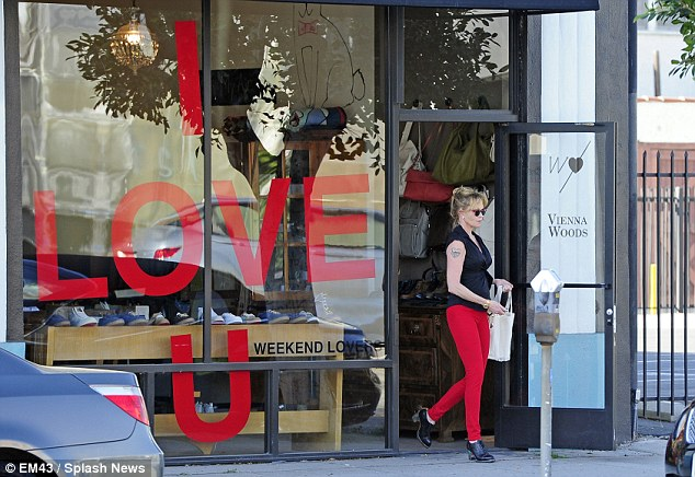 Saying something? The actress even shopped in a store that was February 14 themed