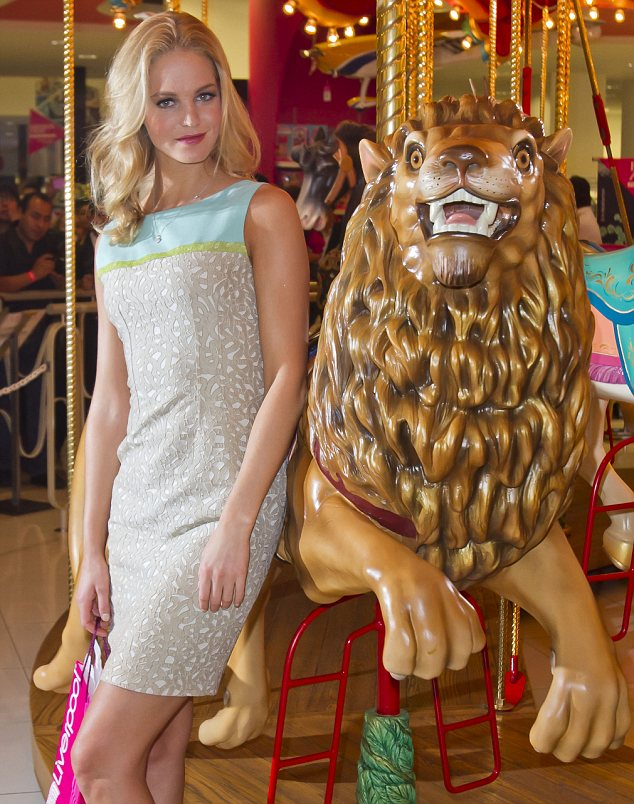 Looking grrreat! Erin Hatherton was seen sporting a pretty pastel shift dress as she posed for pictures to promote Liverpool Fashion Fest in Mexico City