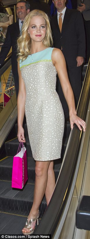 Shift simplicity: Erin showed off her long limbs in a pastel-coloured dress as she wandered around a shopping centre