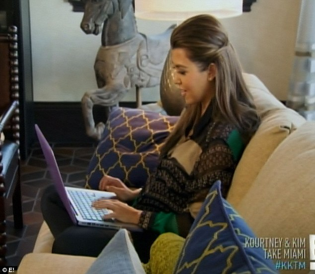 Second opinion: Kourtney dials up her therapist for a chat