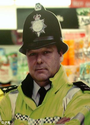 Police regularly use lifesize cut-outs to try and deter shoplifters