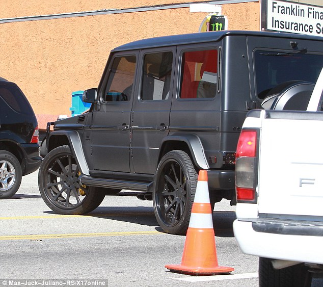 Whoops! Kim was seen crossing over double lines to avoid a traffic cone