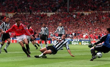 Backup: Harper (right) played in the 1999 FA Cup final but has been back up to the likes of Pavel Srnicek, Shay Given and Tim Krul at St James' Park