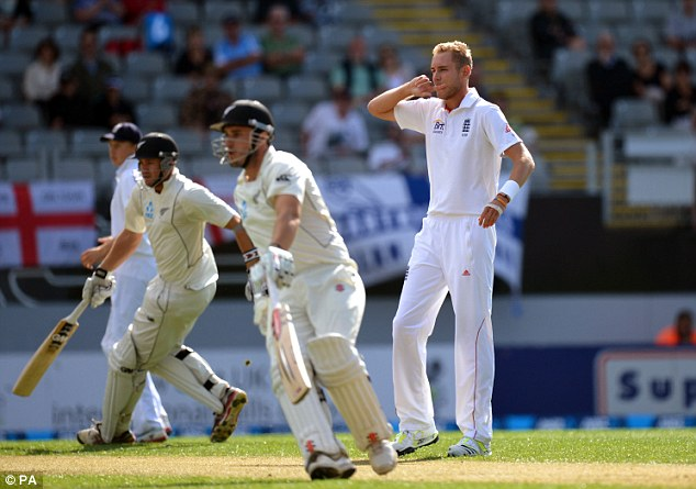 Defiant stand: Fulton and Rutherford put on 79 for the first wicket