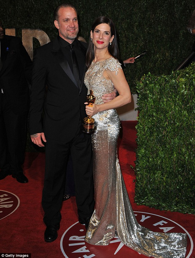 That's in the past! The A-list actress was seen with her then-husband Jesse James at the 2010 Oscars just days before splitting