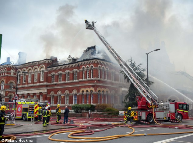 Scene: There is currently 120 fire fighters attempting to tackle the blaze in Southwark, London