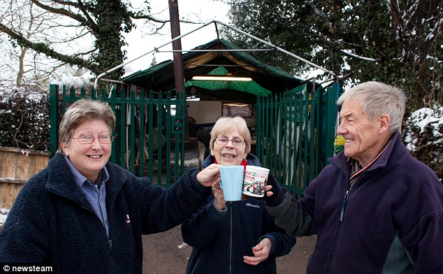 RAID Supporters (left to right) Maz Crawley, Maureen Taylor and Ken Hughes on the 1,000-day milestone