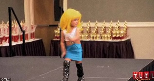 Paisley, three, dressed as Pretty Woman while competing in a pageant in an episode of Toddlers and Tiaras