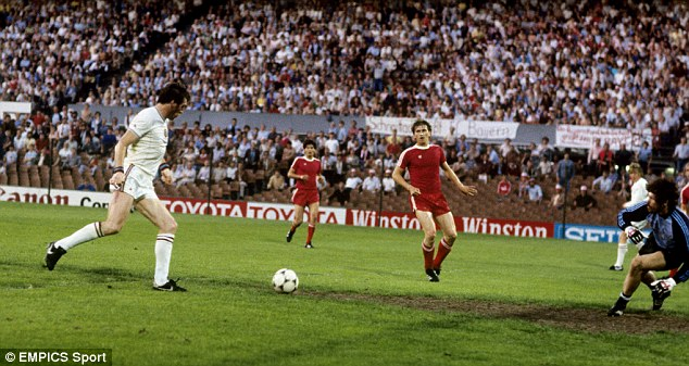 Golden goal: Peter Withe (left) scores the winner in Rotterdam