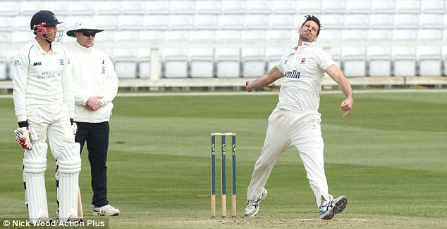 Plenty to prove: Sajid Mahmood (right) will be looking to resurrect his career at Essex