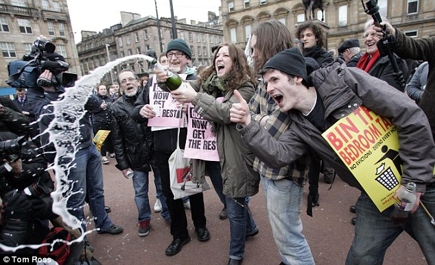 Today, people gathered to celebrate at a Thatcher's Dead Party which was held in George Square, Glasgow