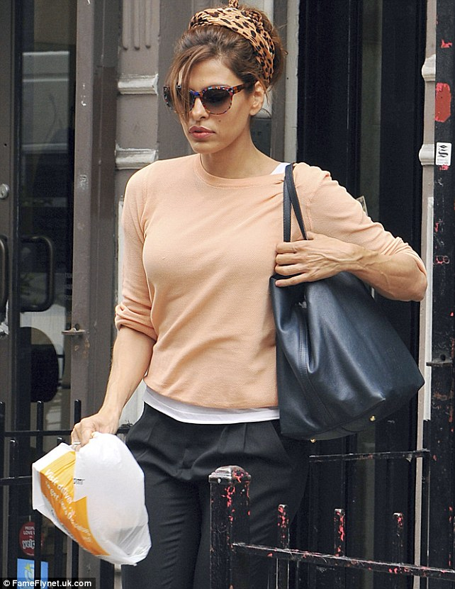 The actress stopped to grab some food at Porchetta in the East Village before heading to the airport