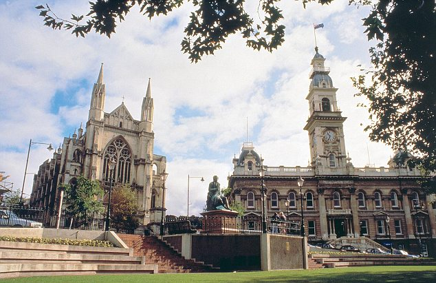 St Paul's Cathedral and Dunedin's Town Hall