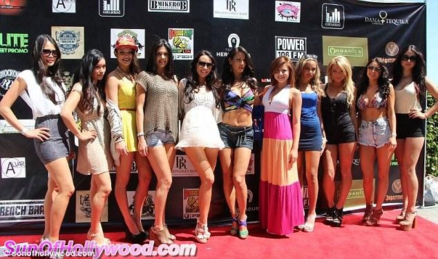 Ladies! Snoop Lion made sure his packed full of good looking girls