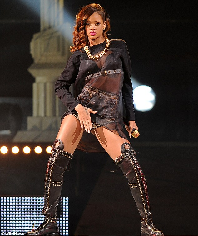 'Can you handle this?': Rihanna couldn't resist indulging fans in a string of questionable dance moves during a Florida stop of her Diamonds World Tour