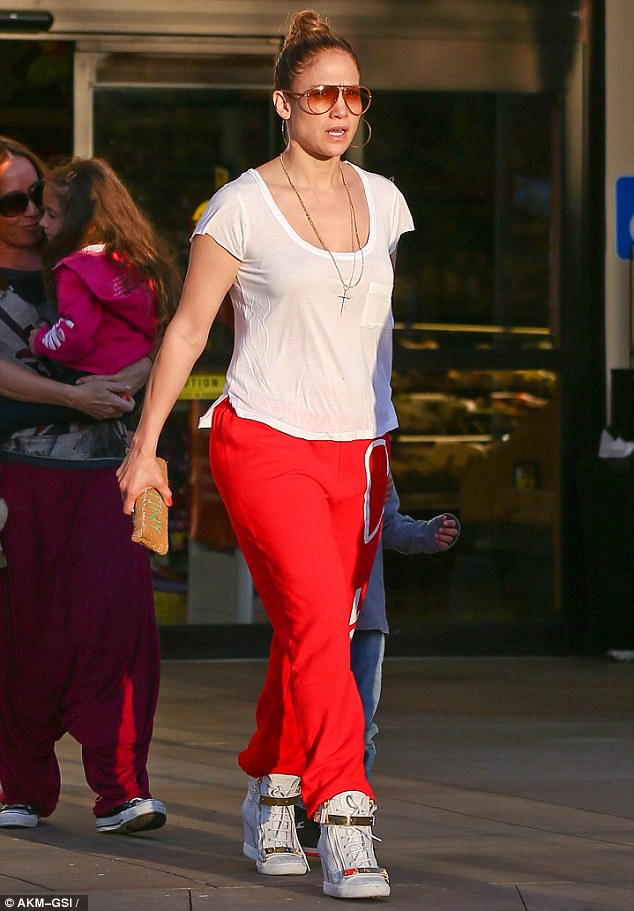 Incognito? J-Lo may have been in her sweats but she still looked every inch the superstar