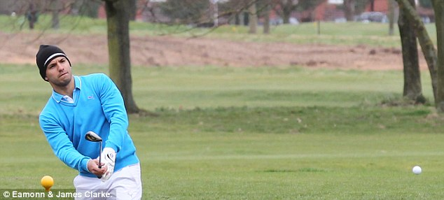 Chip: The Argentinian tries to play his way out of a bunker