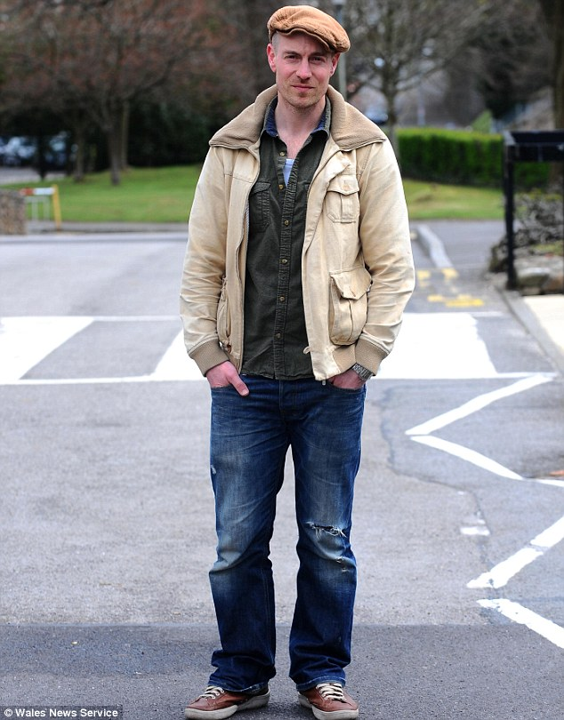 'We always knew it was you!' Mathew Gravelle has revealed he was stopped by parents in his children's school playground after he was revealed as the killer on Broadchurch on Monday night