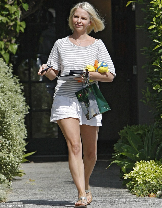 Fresh new do: Kelsey's wife Kayte cut a summery figure as she left the Andy LeCompte Salon in LA on Tuesday