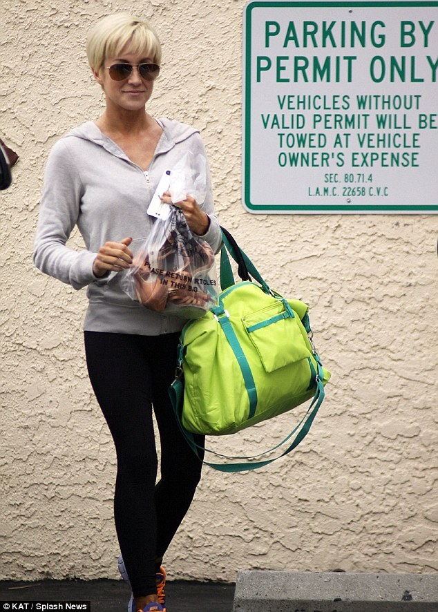 Skinny Minnie: Kellie Pickler continues to drop the pounds each week due to her grueling dance workouts