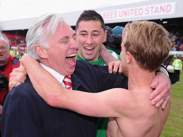 Doncaster chairman John Ryan celebrates with Billy Paynter (centre) and goalscorer James Coppinger