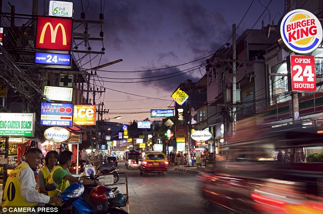 The main street at Chaweng where Koh Samui comes alive at night