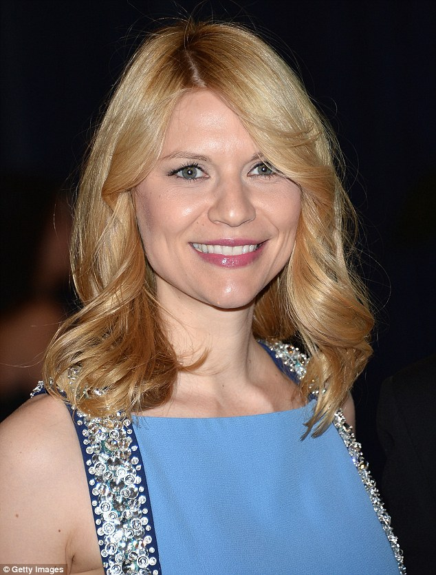 Seventies-style: The Homeland star wore her hair in a wavy style reminiscent of Farrah Fawcett's iconic do
